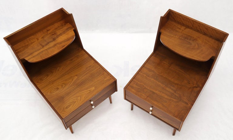 Pair of Large Oversize Two-Drawer Walnut Step End Side Tables by Drexel In Good Condition For Sale In Rockaway, NJ