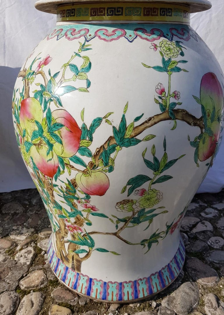Pair of chinese potiches in glazed painted porcelain, China 20th century vases For Sale 3