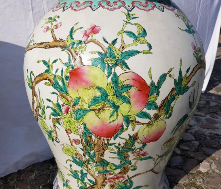 Pair of chinese potiches in glazed painted porcelain, China 20th century vases For Sale 6