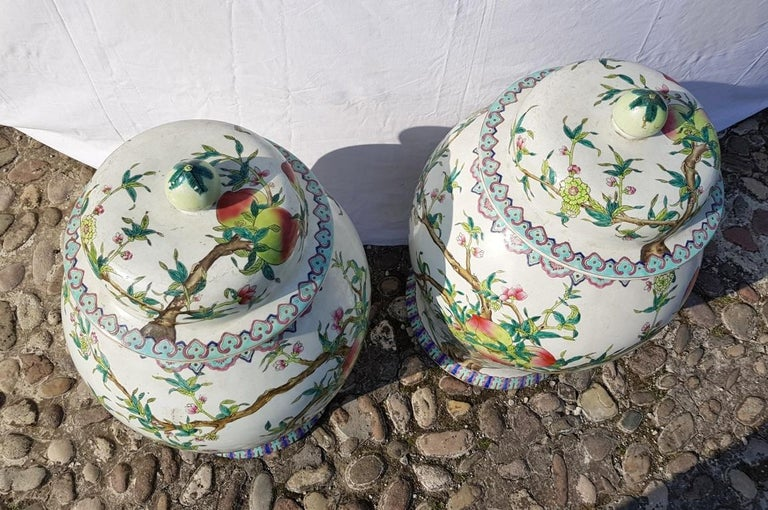 Pair of chinese potiches in glazed painted porcelain, China 20th century vases For Sale 10
