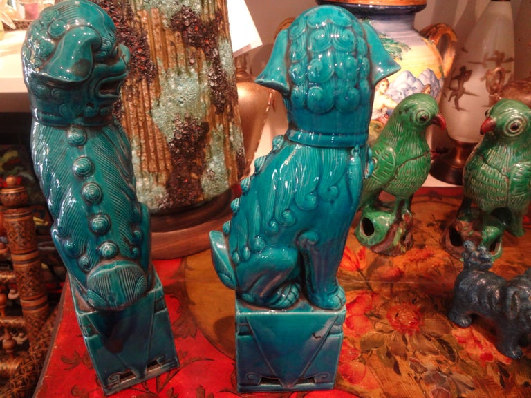Pair of Large Scale Chinese Glazed Porcelain Foo Dogs or Foo Lions In Good Condition For Sale In Houston, TX