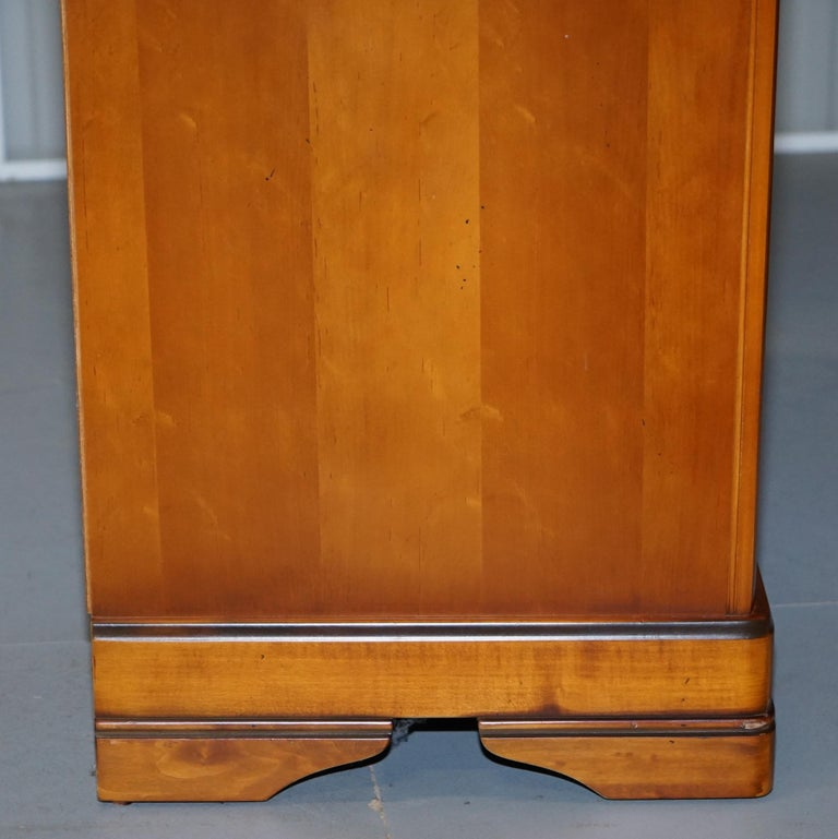 Bedroom Furniture Night Stand Lamps Large Bedside Tables: Pair Of Large Solid Cherry Wood Bedside Table Chest Of