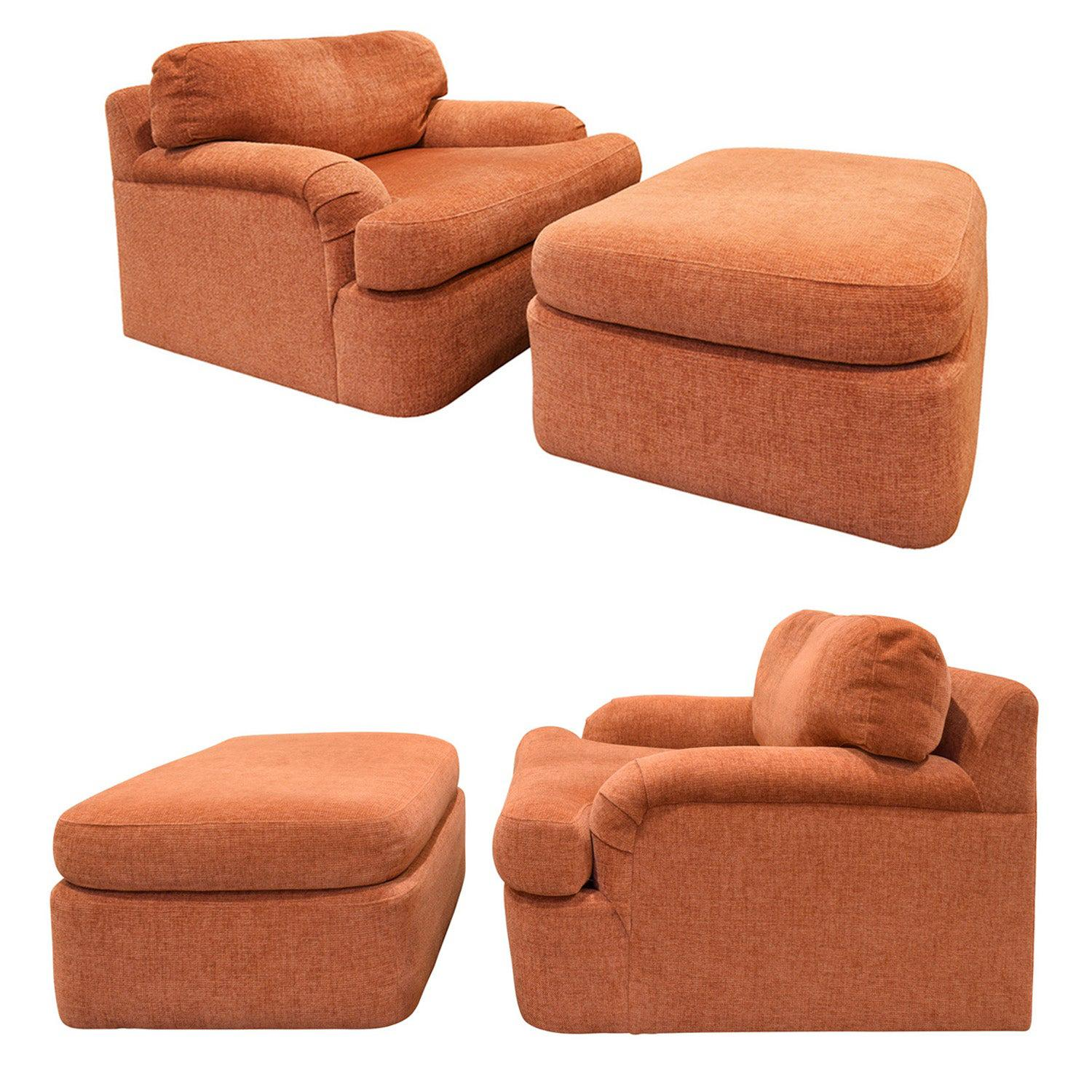 Milo Baughman Pair of Large Swiveling Lounge Chairs with Matching Ottomans 1970s