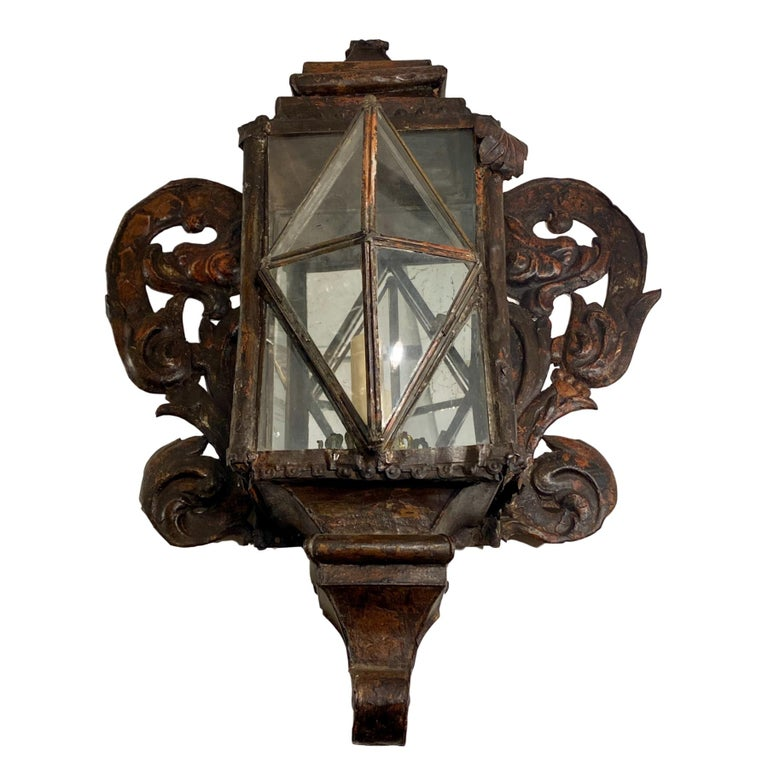 Pair of Large Venetian Tole Sconces In Good Condition For Sale In New York, NY