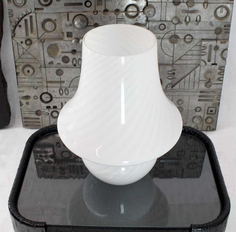 20th Century Pair of Large Vetri Swirl Milk Murano Glass Mushroom Lamps For Sale