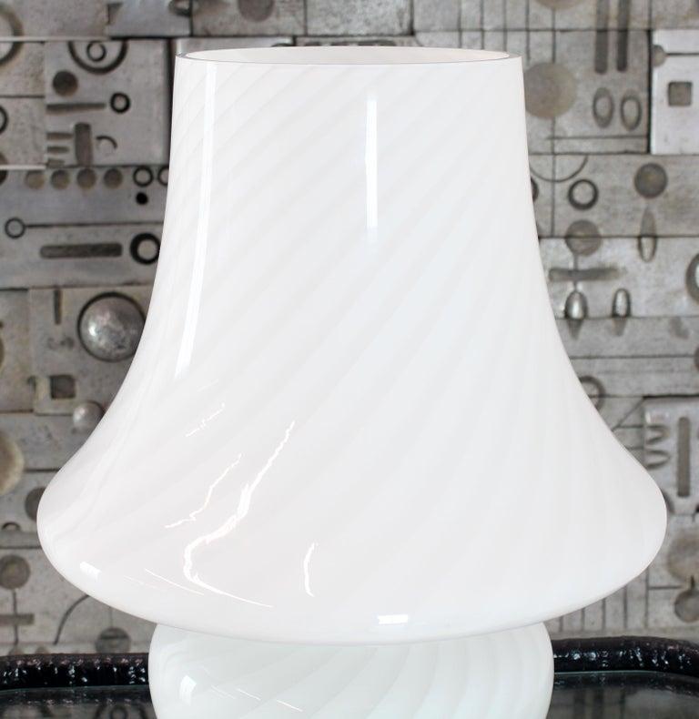 Pair of Large Vetri Swirl Milk Murano Glass Mushroom Lamps For Sale 2