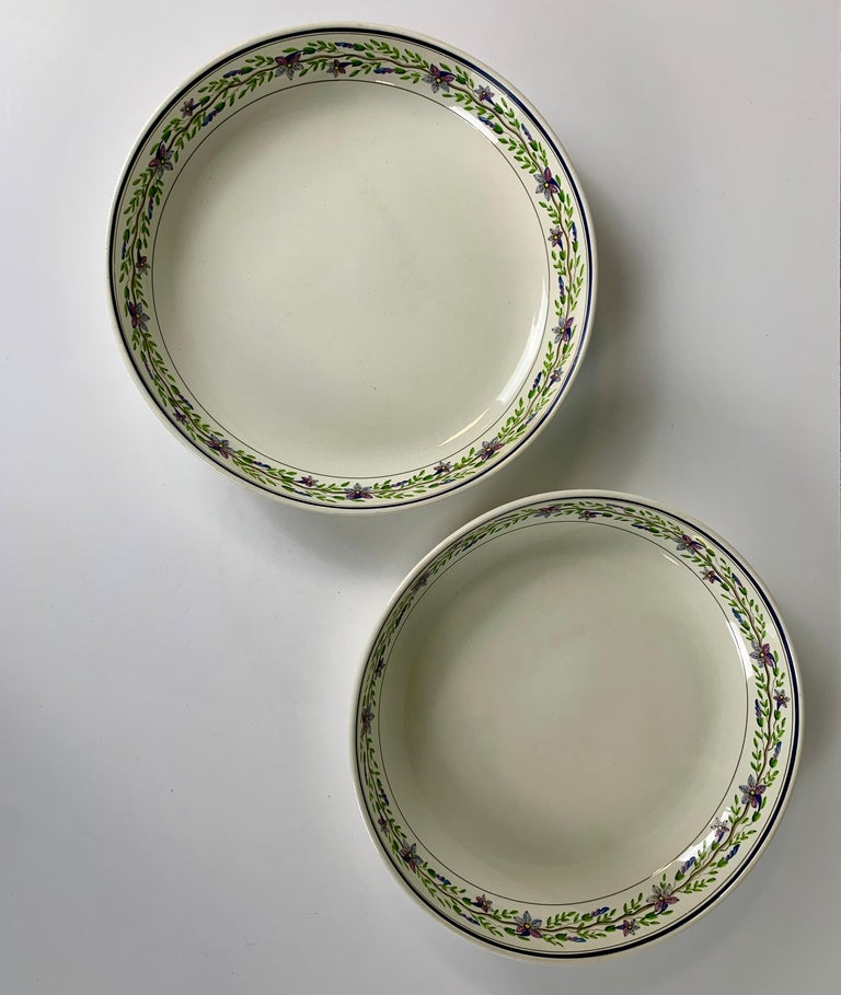 English Pair of Large Wedgwood Bowls Made in England, circa 1820 For Sale