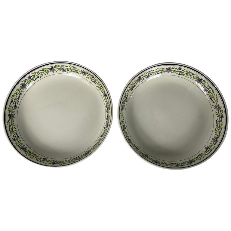 Pair of Large Wedgwood Bowls Made in England, circa 1820 For Sale