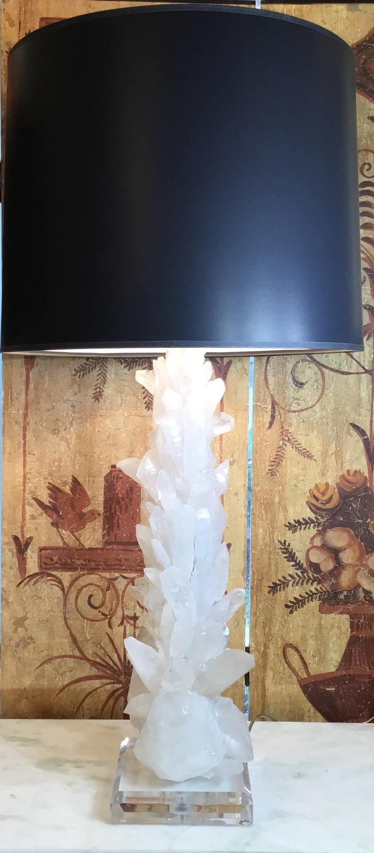 Pair of Large White Quartz Crystal Table Lamps In Good Condition For Sale In Delray Beach, FL