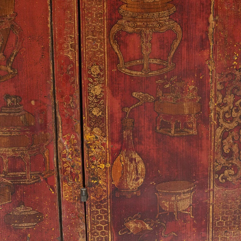 Pair of Late 18th Century Chinese Lacquered Cabinets with Original Decorations For Sale 6