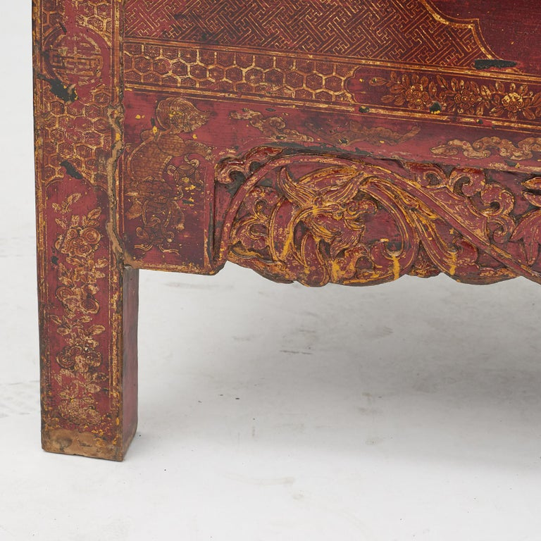 Pair of Late 18th Century Chinese Lacquered Cabinets with Original Decorations For Sale 11