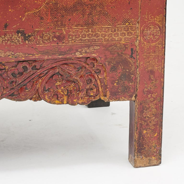 Pair of Late 18th Century Chinese Lacquered Cabinets with Original Decorations For Sale 13