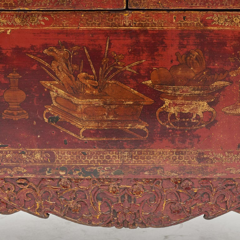 Pair of Late 18th Century Chinese Lacquered Cabinets with Original Decorations For Sale 14