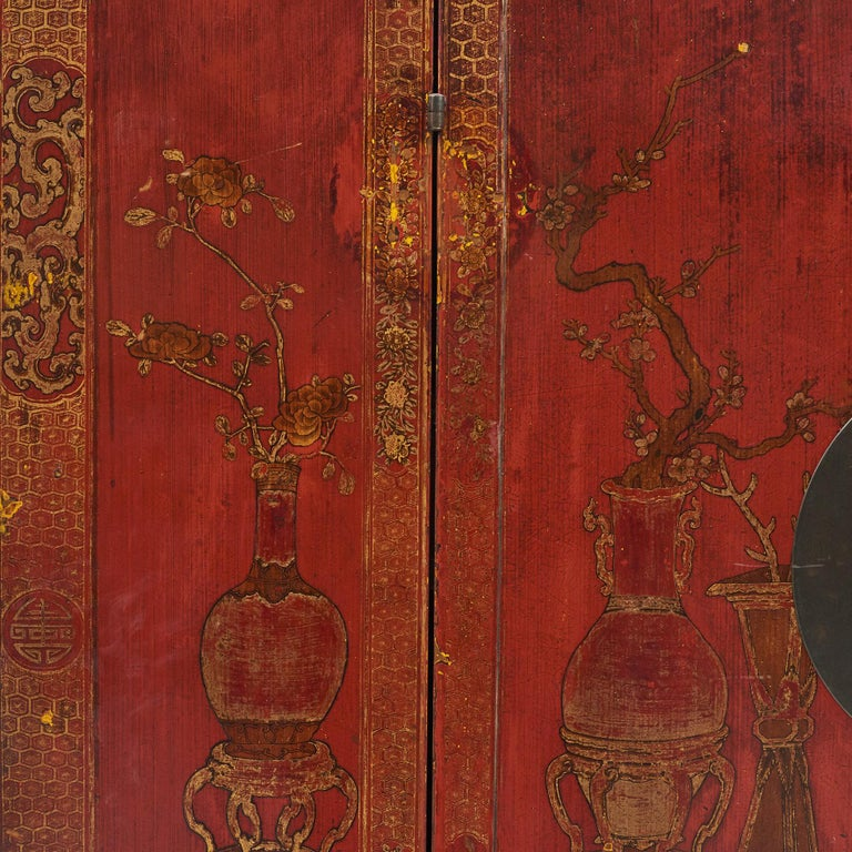 Pair of Late 18th Century Chinese Lacquered Cabinets with Original Decorations For Sale 16