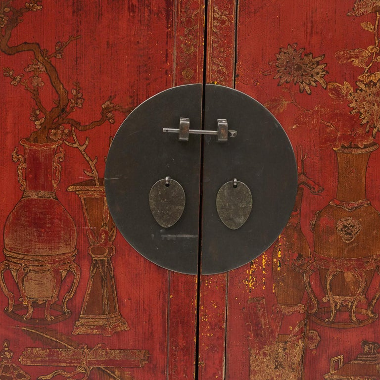 Pair of Late 18th Century Chinese Lacquered Cabinets with Original Decorations For Sale 1
