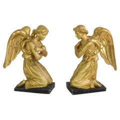 Pair of Late 18th / Early 19th Century Italian Giltwood Neoclassical Angels