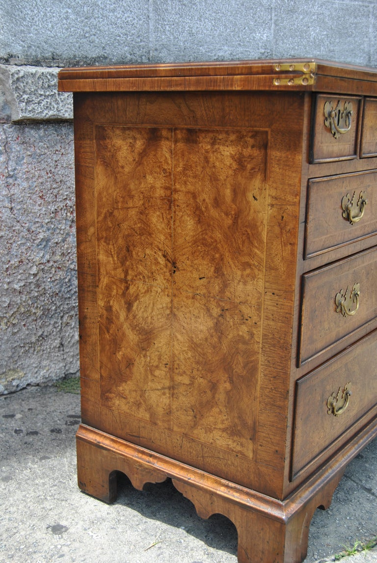 Pair of Late 18th-Early 19th Century English Walnut Bachelor's Chests For Sale 1