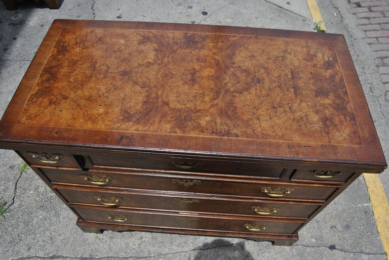 Pair of Late 18th-Early 19th Century English Walnut Bachelor's Chests For Sale 5
