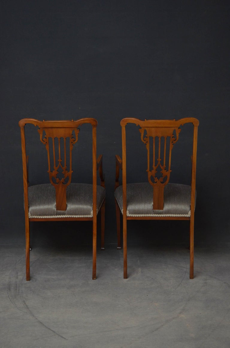 Pair of Late Victorian Carver Chairs in Mahogany For Sale 5