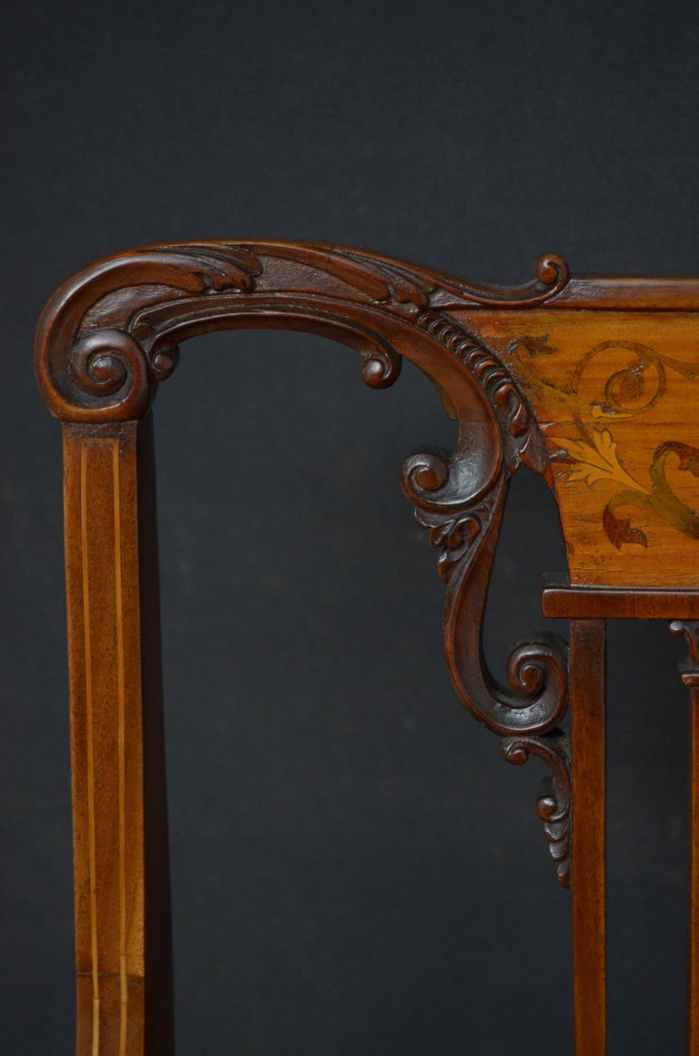 Pair of Late Victorian Carver Chairs in Mahogany In Good Condition For Sale In Whaley Bridge, GB