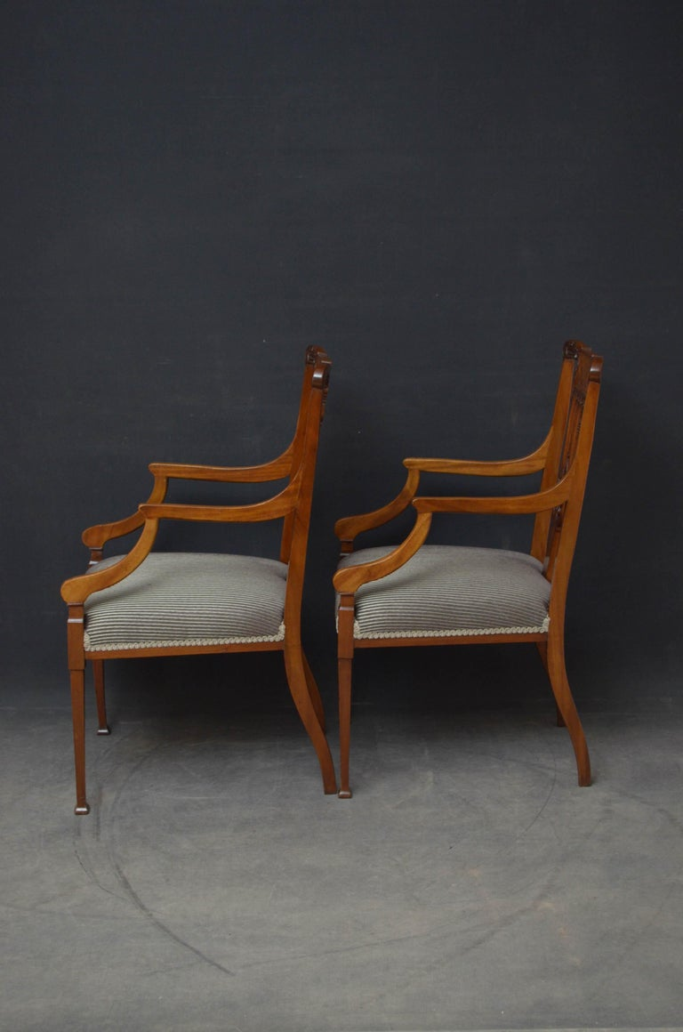 Pair of Late Victorian Carver Chairs in Mahogany For Sale 4