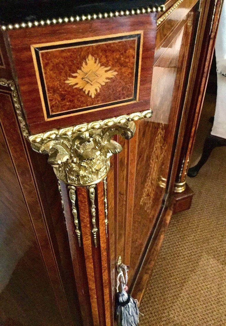 Birdseye Maple Pair of Late Victorian Side Cabinets, circa 1880 For Sale