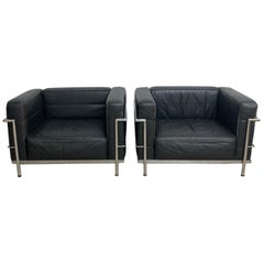 Pair of Le Corbusier LC3 Grand Confort Chairs Black and Chrome