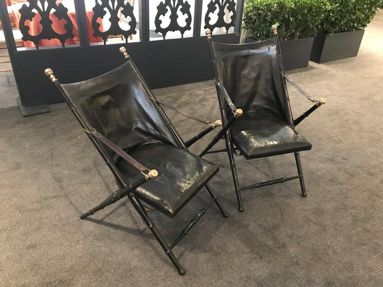 Pair of Leather and Ebonized Pear Wood Folding Chairs by Maison Jansen In Good Condition For Sale In Montreal, QC
