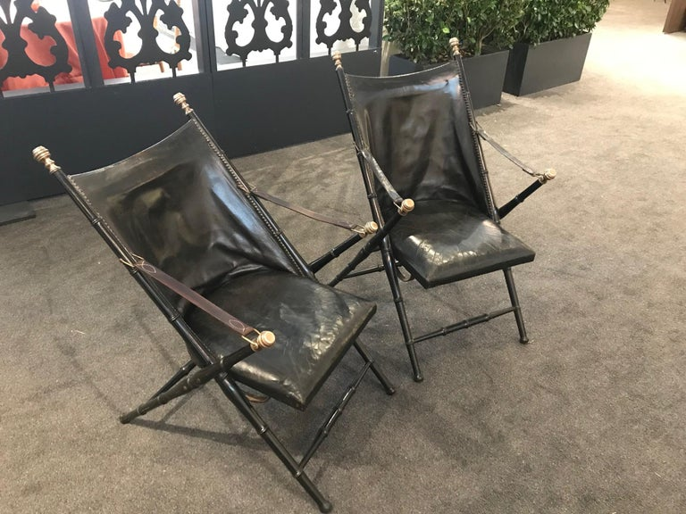Mid-20th Century Pair of Leather and Ebonized Pear Wood Folding Chairs by Maison Jansen For Sale