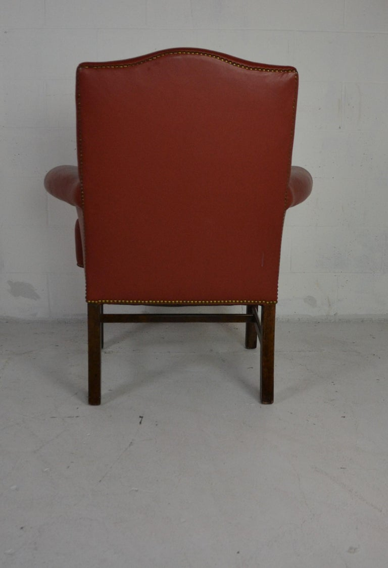Pair of Leather Armchairs In Good Condition For Sale In Pasadena, CA