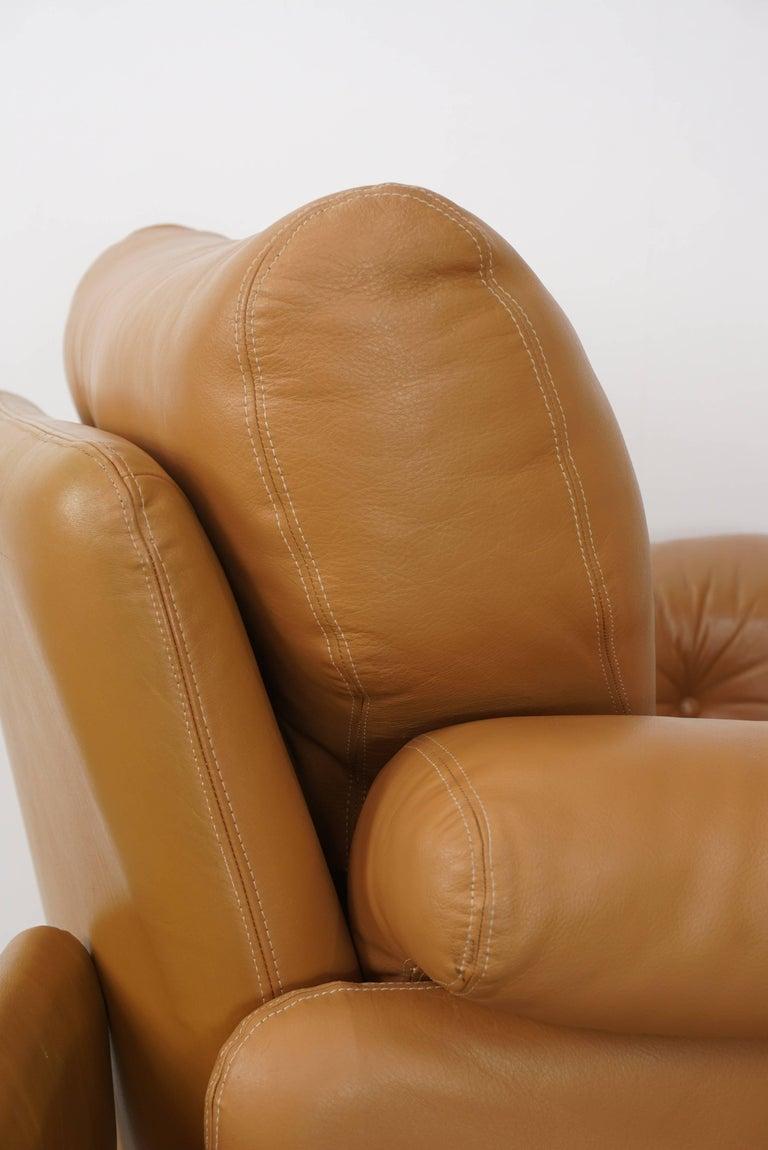Pair of Leather Coronado Armchairs Design Afra & Tobia Scarpa for B&B Italia For Sale 5