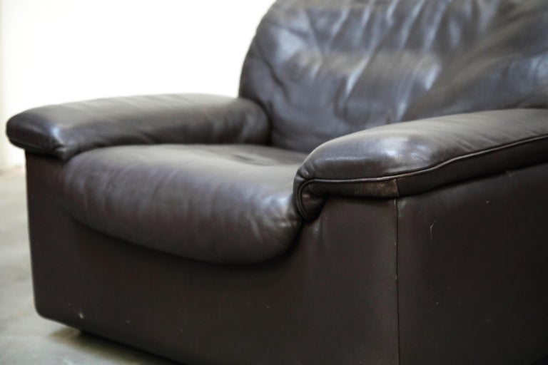 Pair of Leather Lounge Armchairs by De Sede, Switzerland, 1960s, Signed For Sale 5