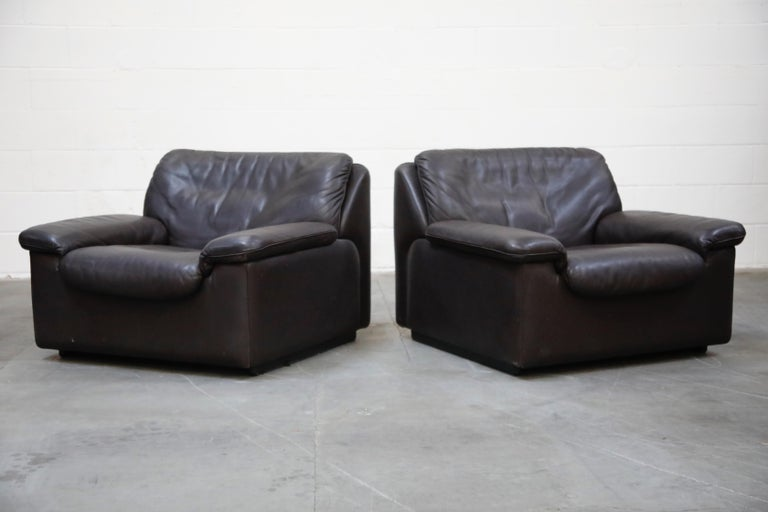 Swiss Pair of Leather Lounge Armchairs by De Sede, Switzerland, 1960s, Signed For Sale