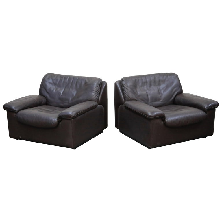 Pair of Leather Lounge Armchairs by De Sede, Switzerland, 1960s, Signed For Sale