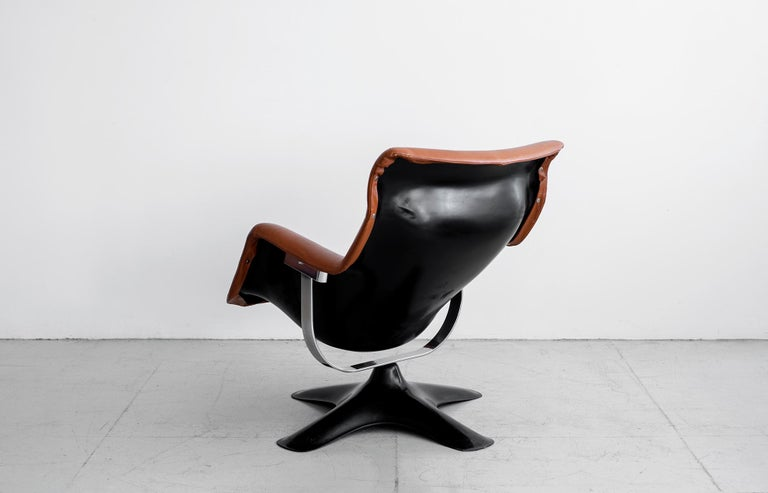 Pair of Leather Swivel Chairs by Yrjo Kukkapuro In Good Condition For Sale In Los Angeles, CA