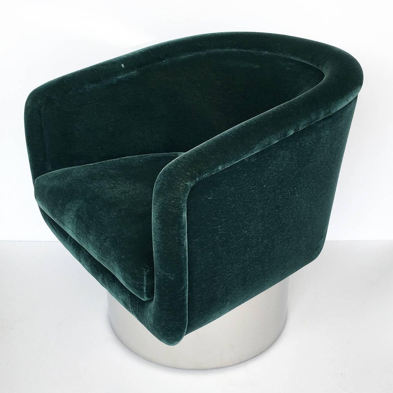 Late 20th Century Pair of Leon Rosen Pedestal Swivel Lounge Chairs For Sale