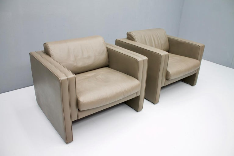 Mid-Century Modern Pair of Light Brown Leather Lounge Chairs by Walter Knoll, 1975 For Sale