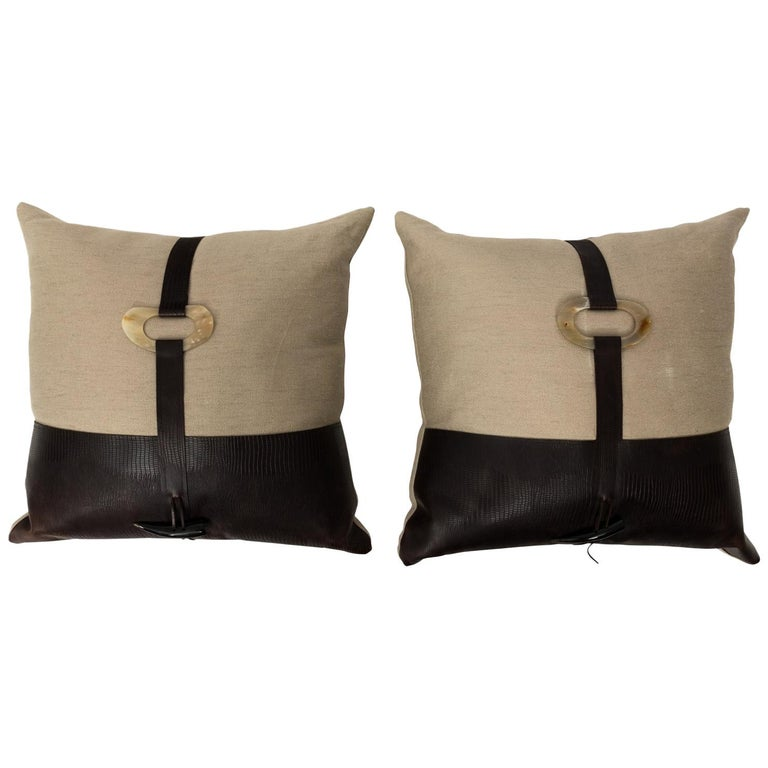 Pair of Linen Throw Pillows For Sale