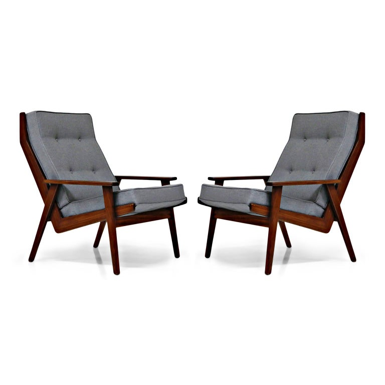 Pair of Lotus Chairs by Robert Parry for Gelderland, Denmark 1950s, Restored In Excellent Condition For Sale In Los Angeles, CA
