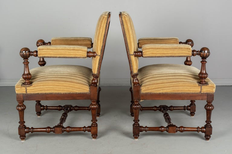 Pair of Louis XIV Style French Walnut Fauteuils In Good Condition For Sale In Winter Park, FL