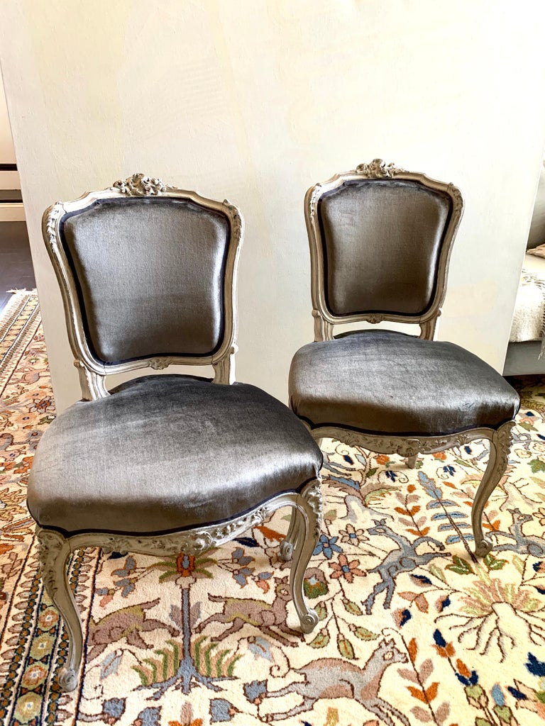 Pair of Louis XV Side Chairs, circa 1800 In Excellent Condition For Sale In Doylestown, PA