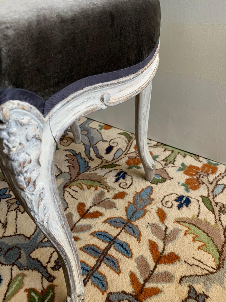 Pair of Louis XV Side Chairs, circa 1800 For Sale 1