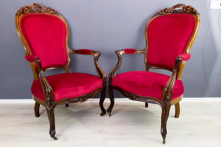 Pair of Louis XV Style French Fauteuil Walnut Armchairs For Sale 5
