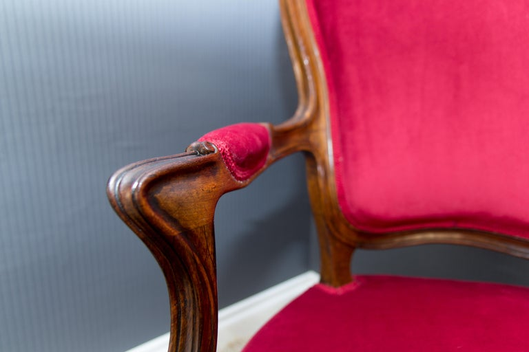 Pair of Louis XV Style French Fauteuil Walnut Armchairs For Sale 10