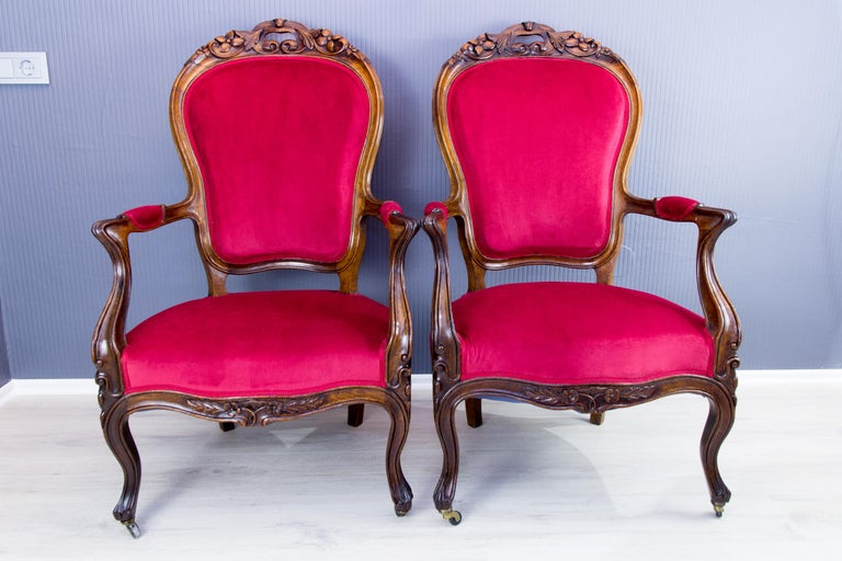 Carved Pair of Louis XV Style French Fauteuil Walnut Armchairs For Sale