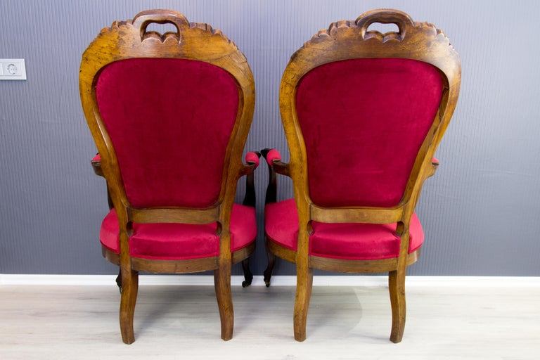 Pair of Louis XV Style French Fauteuil Walnut Armchairs For Sale 1