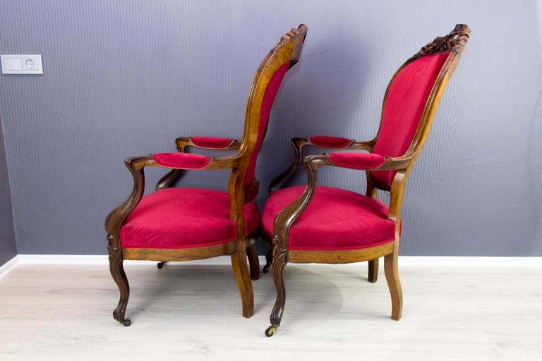 Pair of Louis XV Style French Fauteuil Walnut Armchairs For Sale 3