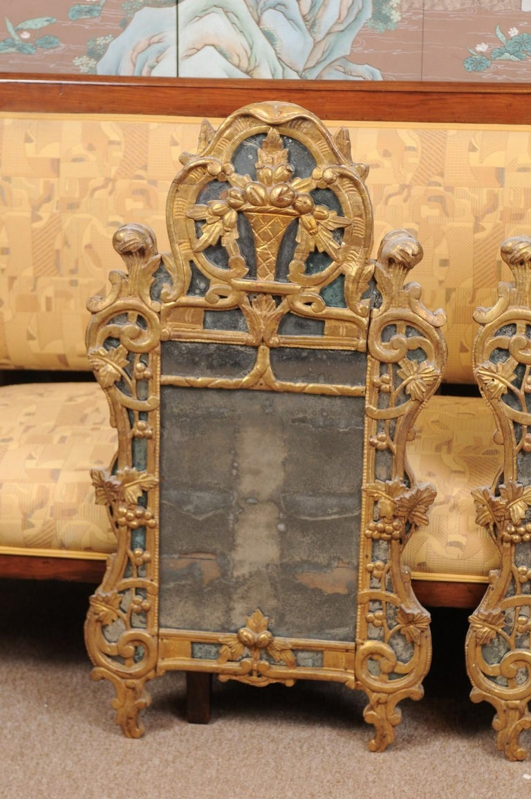 Italian Pair of Louis XV Style French Giltwood Mirrors For Sale