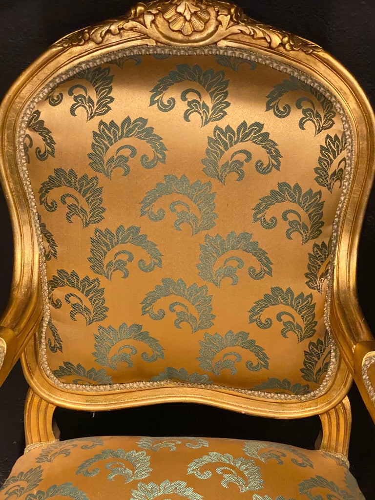 Pair of Louis XV Style Giltwood Fauteuils or Armchairs In Good Condition For Sale In Stamford, CT