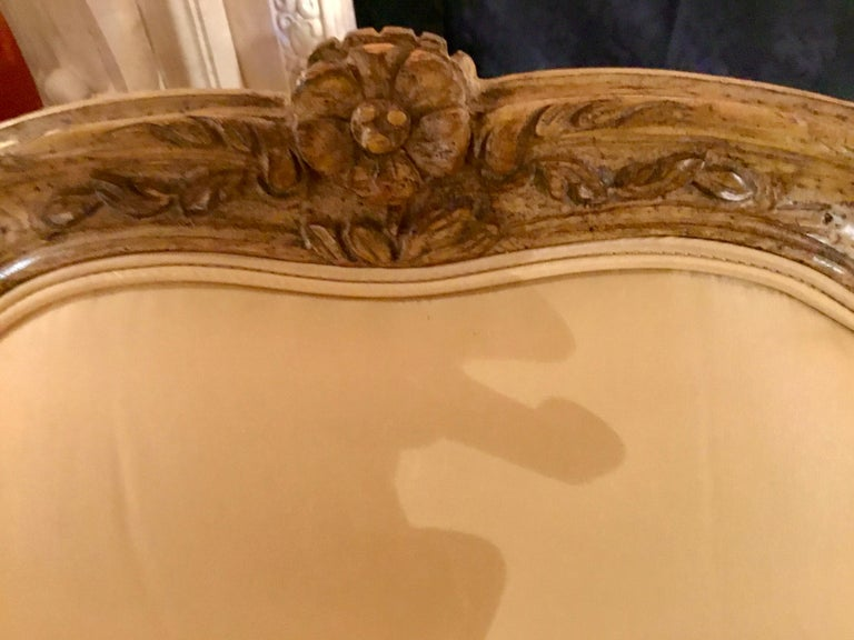 Pair of Louis XV-Style Painted and Carved Bergere Chairs, 20th Century For Sale 4